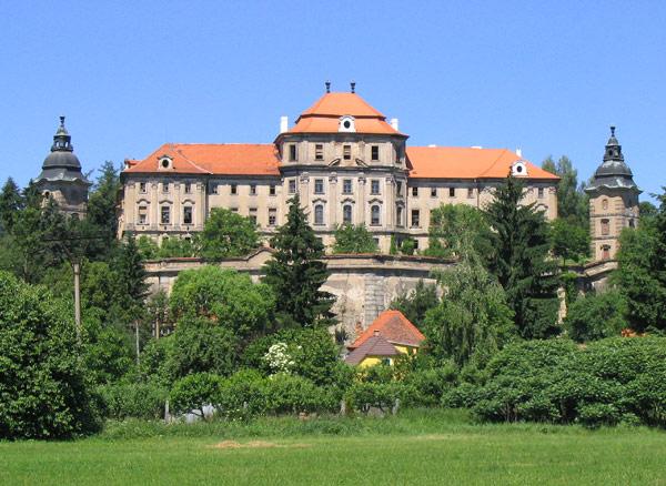 Bild-Kloster-Chotieschau-wiki_616